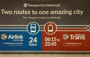 Le bus entre l'aéroport et la ville d'Edimbourg