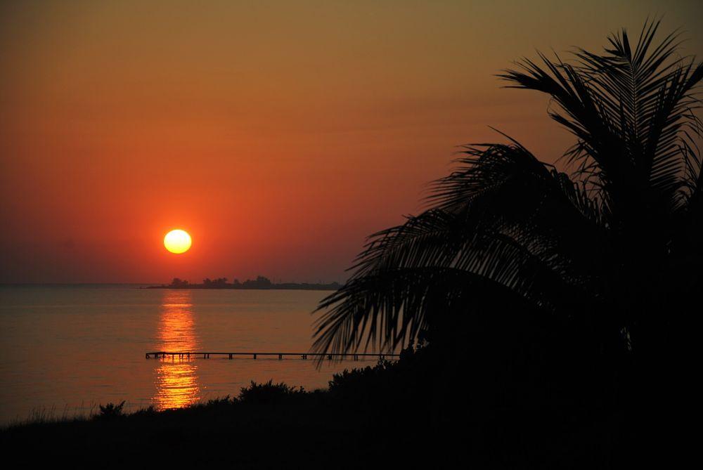 Lever du soleil sur la plage à Cuba