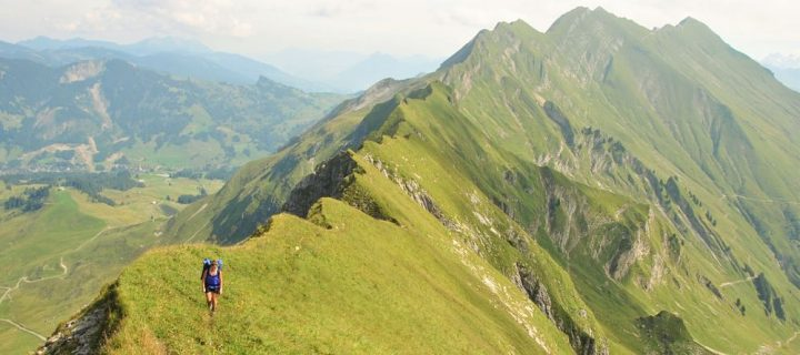 Trek Jungfrau : chemin des crêtes Brienz-Interlaken
