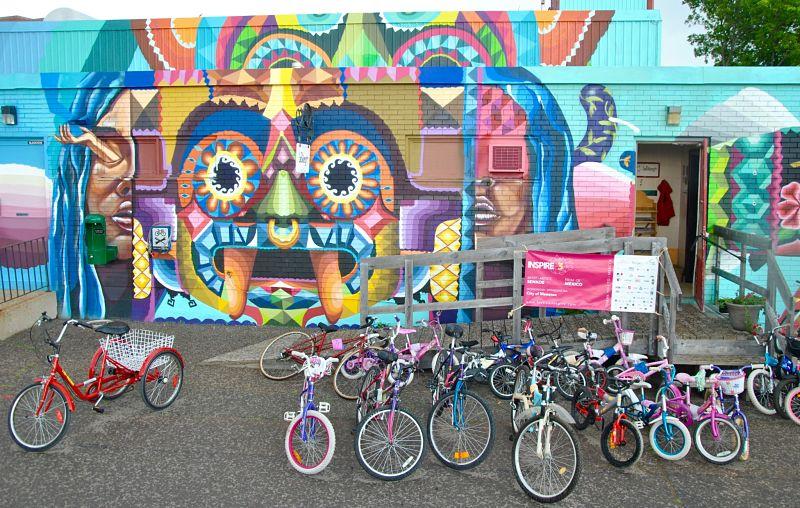 Murale sur le mur d'un magasin de vélo à Moncton