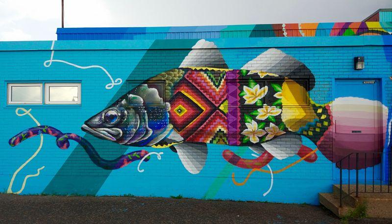 Graffiti sur le mur d'un magasin à Moncton