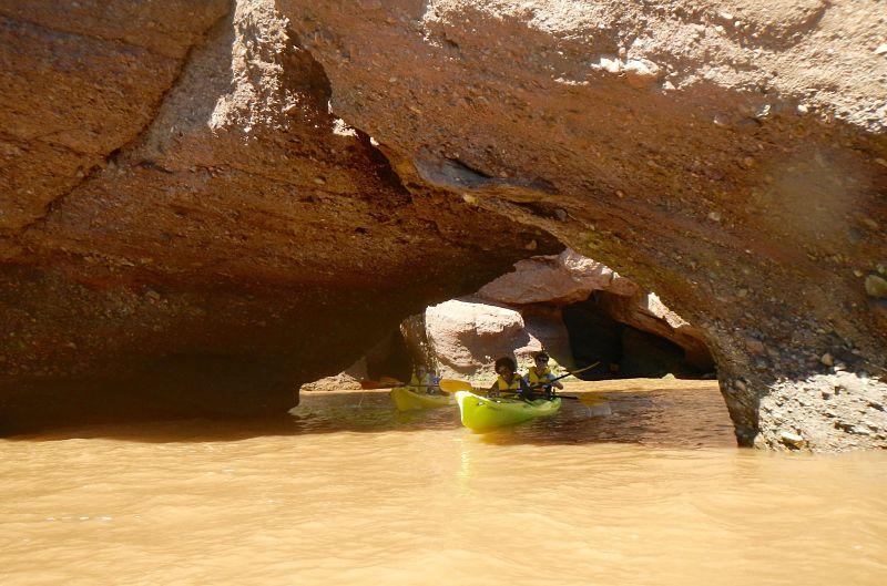 Kayak dans la baie de Fundy aux Rochers Hopewell Rocks