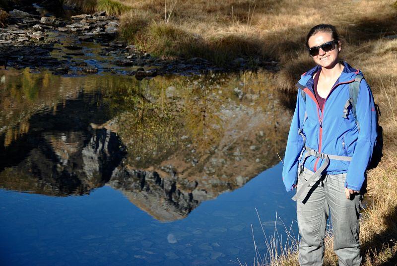 Reflexion sur le lac d'Alzasca dans le Tessin