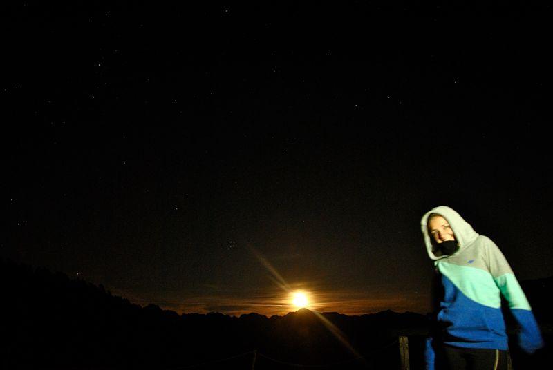 Lever de lune à la Capanna Alzasca dans le Tessin