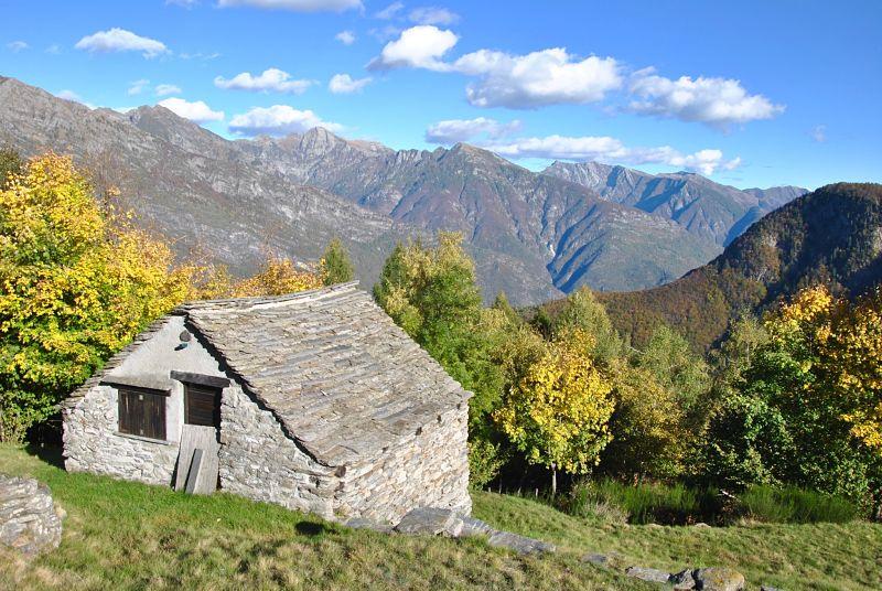 Maison en pierre dans le Tessin