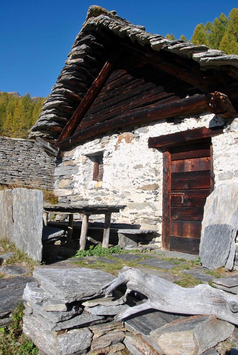 Maison en pierre dans le Tessin lors de notre trekkking