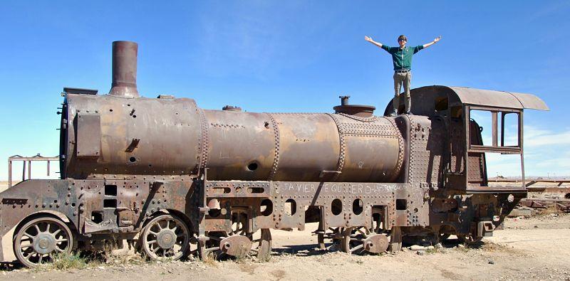 Locomotive dans le cimetière de train d'Uyuni