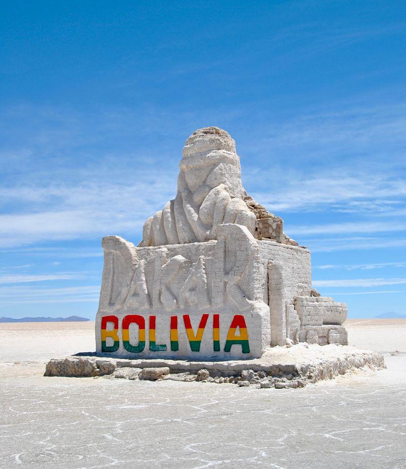 Le Paris Dakar dans le désert de sel d'Uyuni