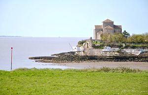 Eglise de Talmont sur Gironde entre La Rochelle et Bordeaux