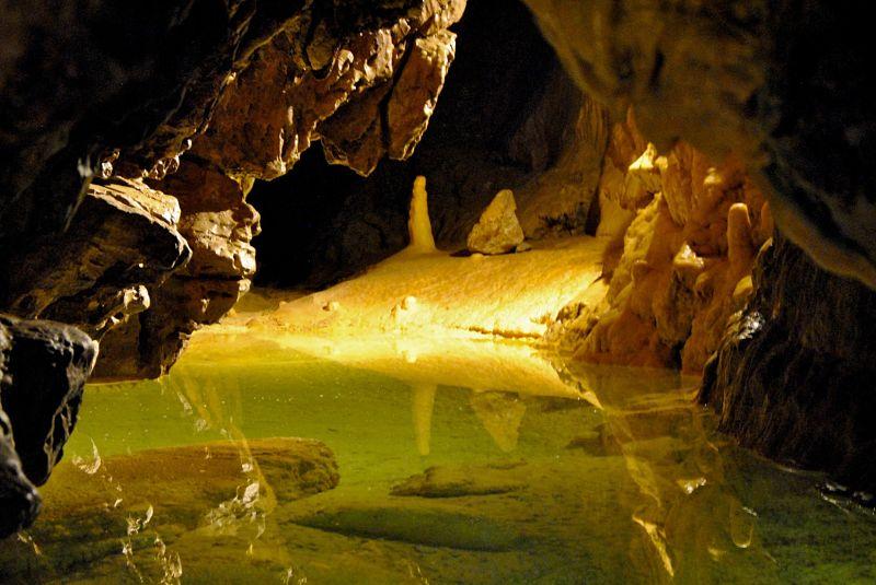 Grottes de Vallorbe entre le lac de Joux et Yverdon dans le canton de Vaud en Suisse