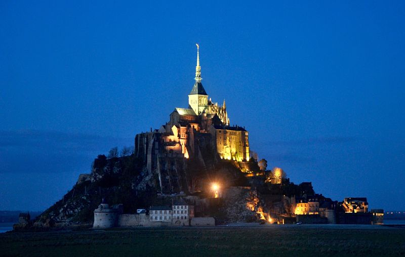 Photo du Mont Saint Michel de nuit