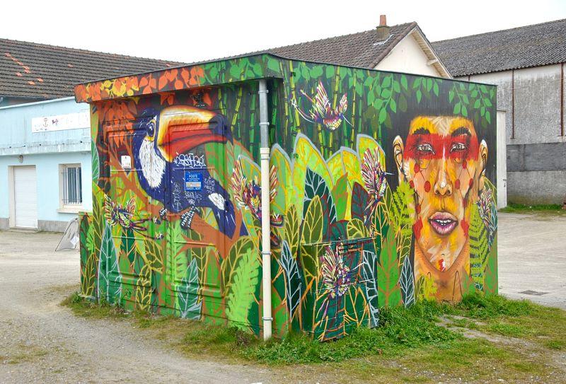 Street art dans les rues de Saint Nazaire pendant mon voyage à vélo