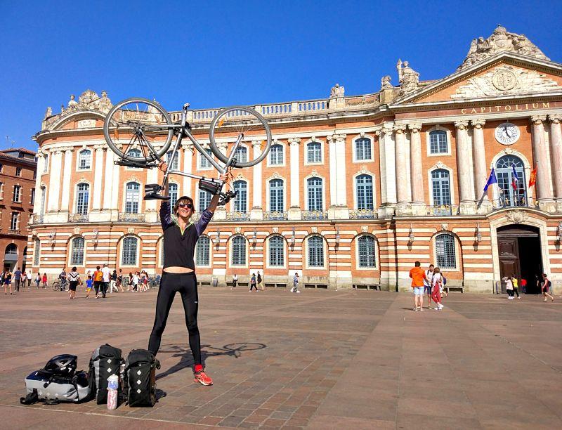 Arrivée en photo voyage vélo à Toulouse