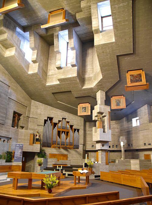 Eglise en béton à Hérémence dans le Valais Suisse