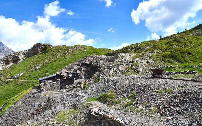 Sentier didactique de Salanfe menant aux mines d'or et d'arsenic