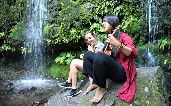 Ukulele entre amies la vie à Akaroa