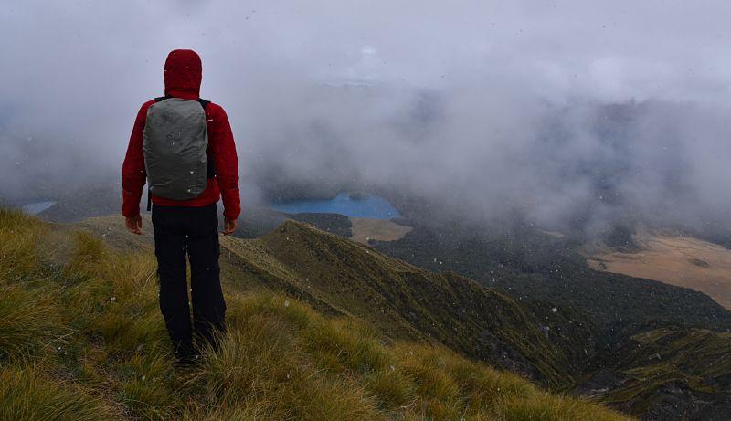 Randonnée en été sous la neige en Nouvelle-Zélande