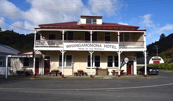 L'hôtel de la république de Whangamomona sur l'autoroute 43 en Nouvelle-Zélande
