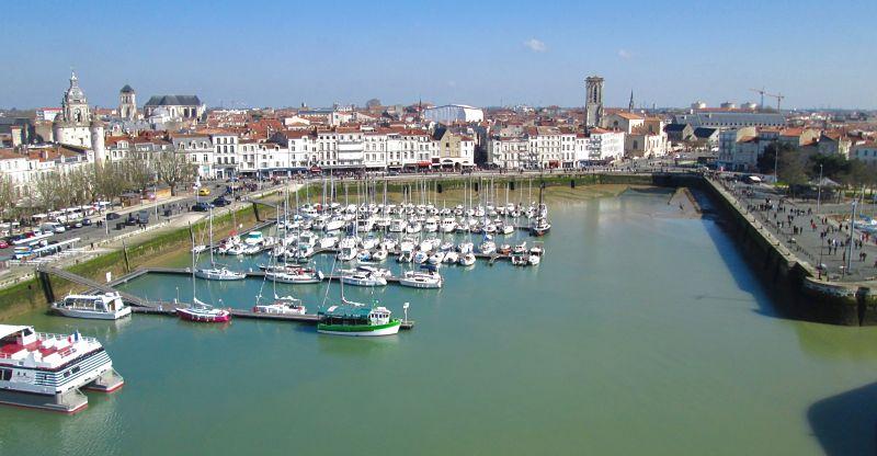 Vue de La Rochelle et son vieux port depuis la tour Saint-Nicolas
