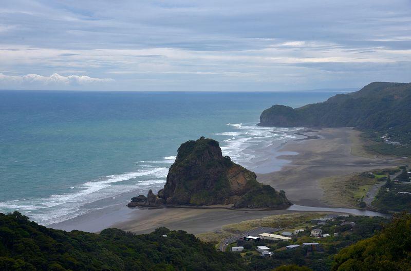 La plage de Piha un lieu incontournable à visiter en Nouvelle-Zélande